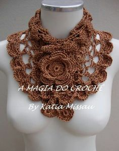 .Collar or shawl