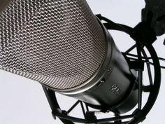 Sediada na avenida Paulista, a Rádio Panamericana S/A (Jovem Pan) tem uma vaga aberta para o cargo de executivo de vendas. Entre as atribuições do profissional estão: elaboração de projetos e propostas comerciais, prospecção de novos clientes e vendas para os sites da empresa.