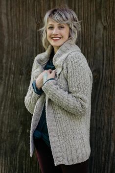 Brooklyn Tweed, Christmas Knitting Patterns, Knit Patterns, Cardigan Pattern, Knit Cardigan, Knit Sweaters, Chunky Wool, Dress Gloves, Red Heart Yarn