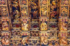 La Lonja de la Seda o de los Mercaderes de Valencia representa la riqueza de la sociedad valenciana del siglo XV.