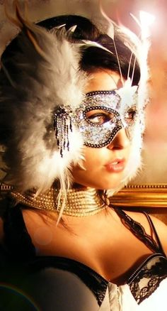 When you wear a mask a light comes on inside and shines about you like an aura. In a mask you are you - Halloween Masks, Halloween Face Makeup, Grumpy Cat Meme, Makeup At Home, Venetian Masks, Venetian Masquerade, Masquerade Party, Masquerade Masks, Beautiful Mask