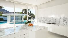 Here is a Bright White Circular 1970s Mansion in Rancho Mirage That's Cool as Heck - Curbed LA