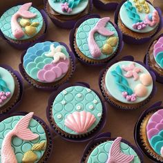 New Cupcakes Fondant Sirena Ideas Fondant Cupcakes, Fondant Toppers, Cute Cupcakes, Cupcake Cakes, Beautiful Cupcakes, Cup Cakes, Beach Cupcakes, Decorated Cupcakes, Mermaid Birthday Cakes