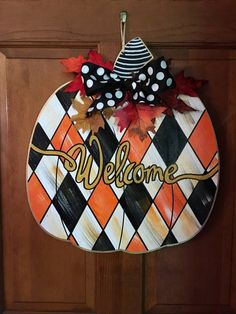 How to Decorate Your Own Mailbox Halloween Door Hangers, Fall Door Hangers, Burlap Door Hangers, Wooden Pumpkins, Fall Pumpkins, Painted Signs, Hand Painted, Painted Wood, Halloween Painting