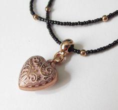 Kette schwarz rosegold mit Herz von soschoen auf DaWanda.com