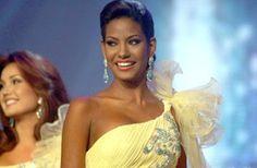 Gabriela Concepcion Miss Carabobo, una Morena Bella y Fuerte Favorita durante el Opening del Miss Venezuela 2008.
