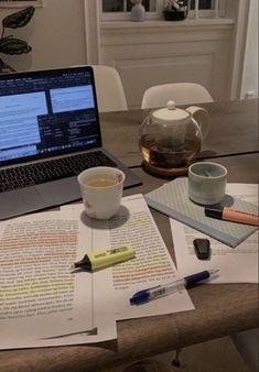 Study Pictures, Study Organization, Work Motivation, College Motivation, Pretty Notes, Study Space, Study Desk, Study Hard, School Notes