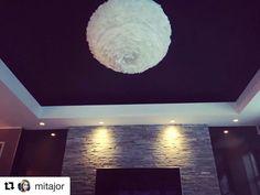 Sjekk ut hvor fint det ble hjemme hos @mitajor Utrolig kult med slik kontrast   In love #ceiling #jotun #sophisticatedblue #vitaeos #lightup #lightupno @lightup.no