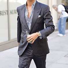Scott Disick. Stylish and detailed suit.