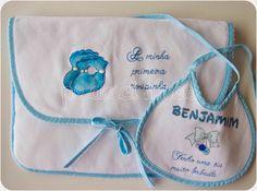 Pedacinhos de Arco Íris: A primeira roupinha dos gémeos e os seus babetes (baby 1st clothes, baby bib handpainted)