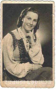 Zudusī Latvija - Sievietes portrets