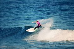 Stephanie Gilmore -Top turn ©cazenave  #surf