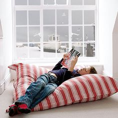 Floor cushion ideas for diy on pinterest floor cushions for Extra large floor pillows ikea