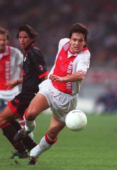Jari Litmanen, AFC Ajax (1992–1999, 159 apps, 91 goals + 2002–2004, 20 apps, 5 goals)