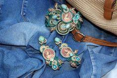 giftset for her - Mucha theme porcelain bead embroidery soutache medium long earrings and bracelet #SoutacheEarrings #BeadEmbroidered #BeadEmbroidery #PartyJewelry #flowers #MuchaThemeEarrings #soutache #FloralSoutache #RetroArtNouveau #AnniversaryJewelry