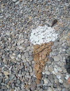 beach pebble art x