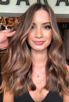 Brown Hair Balayage, Brown Blonde Hair, Hair Highlights, Brown Sombre, Ginger Brown Hair, Light Brunette Hair, Brown Hair Cuts, Hair Color Balayage, Long Hair Cuts