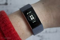 Fitbit Charge 4 spotted in leaked retailer listing and FCC filing It looks like a new Fitbit device is coming down the pike, according to an FCC filing that has surfaced on Wednesday, and it might even be the Fitbit Charge… Smart Fitness Tracker, Fitness Activity Tracker, Fitness Activities, Cool Tech Gadgets, Fitness Gadgets, Heart Rate App, Fitbit Charge, Best Mobile