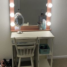 Large 40 X 28 Hollywood Style Lighted Vanity Make-up Mirror Hollywood Fashion, Hollywood Style, Diy Pallet Vanity, Makeup Stand, Black Vanity, Wall Mount, Solid Wood, Room Decor, Mirror