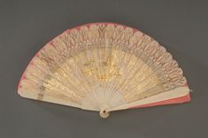 First Ladies' Fashions National Museum of American History Ivory fan said to have belonged to Abigail Adams Antique Fans, Vintage Fans, Historical Costume, Historical Clothing, Historical Dress, First Lady Of America, Abigail Adams, American First Ladies, Wax Museum