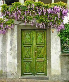Başka Diyarlara Açılacakmış Gibi Görünen Muhteşem Kapılar | Gizushka