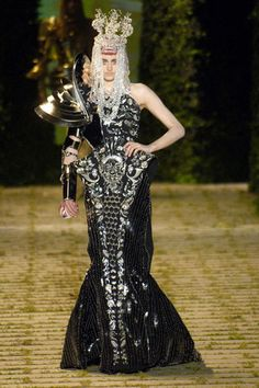 Dior Haute Couture by John Galliano F/W 2006, Look 1
