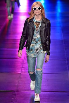 Will his return to the industry be as successful as his stints at brands like Dior Homme and Saint Laurent? Saint Laurent Paris, Paris Saint, Saint Laurent 2016, 90s Fashion Grunge, Boy Fashion, Mens Fashion, Leather Fashion, Grunge Men, Fashion Outfits
