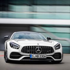 hello how big are you Mercedes Benz Amg, Mercedes Benz Models, Mercedes Car, Muscle Cars, Mercedez Benz, Daimler Benz, Best Luxury Cars, Cars Uk, Power Cars