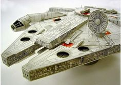 Undoubtedly, the owner of SF Paper Craft Gallery is an absolutely skillful papercraft artist. You can discover many amazing papercrafts of pop culture elements 3d Paper, Paper Toys, Papercraft Star Wars, Star Wars Origami, Cardboard Model, Diy And Crafts, Paper Crafts, Cheap Toys, Star Wars Birthday