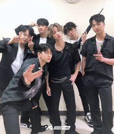 Kim Jinhwan, Hanbin, Yg Entertainment, Bobby, Ikon Wallpaper, Kim Dong, Poses, Mix Match, Korean Boy Bands