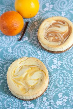 Looking for Fast & Easy Cake Recipes, Dessert Recipes! Recipechart has over free recipes for you to browse. Find more recipes like Meyer Lemon or Orange Swirled Vanilla Bean Cheesecakes. No Cook Desserts, Mini Desserts, Just Desserts, Delicious Desserts, Dessert Recipes, Yummy Food, Dessert Ideas, Vanilla Bean Cheesecake, Cheesecake Recipes