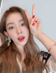 Irene - 'SMile For U Crowdfunding' Update Red Velvet アイリーン, Irene Red Velvet, Velvet Hair, Seulgi, Girl Crushes, Kpop Girls, Hair Beauty, Fandoms, Girls Girls Girls