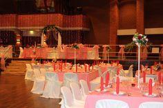 Wedding Decoration. Hochzeitsdekoration in rosa-rot . festliche-dekoration.de