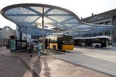 Bus-terminal-and-train-station-square-08