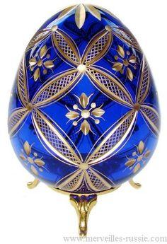 BIJOUX IMPERIAUX RUSSIE - Un Certain regard....Oeuf FABERGE en cristal réhaussé d'or