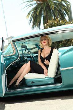 Huge steering wheel!
