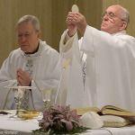 """Papa Francisco en Santa Marta: La redención de Cristo es gratuita, que las iglesias jamás sean """"especuladoras"""""""