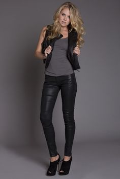 Our Broadway Skinny jean is a classic in light weight denim, perfect for the Summer nights.