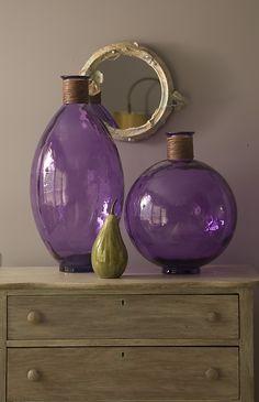 Vases - detail Japanese butterfly room - Experience the Butterfly Effect - www.butterflycreekinntryon.com