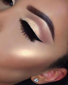 Pageant and Prom Makeup Inspiration. Find more beautiful makeup looks with Pagea… Pageant and Prom Makeup Inspiration. Find more beautiful makeup looks with Pageant Planet. Pretty Makeup, Love Makeup, Makeup Inspo, Makeup Ideas, Cheap Makeup, Gorgeous Makeup, Makeup Hacks, Awesome Makeup, Black Makeup