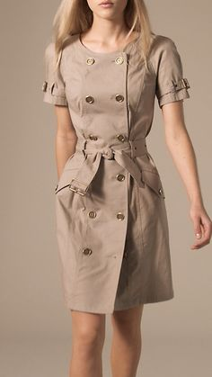 Shop the latest womenswear from Burberry including seasonal trench coats, leather jackets, dresses, denim and skirts. Frock Fashion, Fashion Dresses, Office Dresses For Women, Clothes For Women, Casual Dresses, Casual Outfits, Trench Dress, Embroidery Fashion, Preppy Style