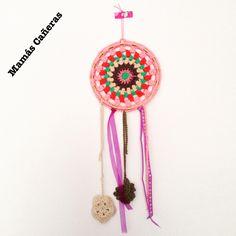 Atrapasueños a crochet - Dreamcatcher Crochet Dreamcatcher, Dream Catcher, Crochet Necklace, Jewelry, The Creation, Dreamcatchers, Jewlery, Jewerly, Schmuck