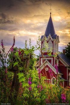 New England Church in Monson, Maine