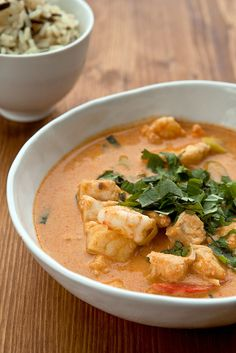 See related links to what you are looking for. Curry Recipes, Fish Recipes, Indian Food Recipes, Asian Recipes, Healthy Recipes, I Love Food, Good Food, Eat Thai, Fish Curry
