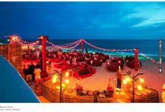 red beach wedding reception decor. Photo by Colin Miller Photography | VIA #WEDDINGPINS.NET