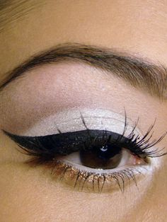 Soft Summer Look. I love the little bit of gold under the lower lashes.