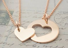 Rose Gold Filled Mother Daughter Jewelry – Heart Necklace Set in Pink Gold Fill – Gifts for Mom and Daughter – Push Present – Todo sobre accesorios contigo Bff Necklaces, Best Friend Necklaces, Best Friend Jewelry, Mother Daughter Jewelry, Daughter Necklace, Mother Necklace, Heart Jewelry, Cute Jewelry, Relationship Jewelry