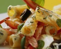 Φιογκάκια με σάλτσα γκοργκοντζόλα και τομάτα - Knorr.gr