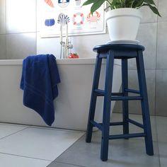 Dulux Sapphire Salute blue paint Painted stool plant stand Annie Sloan Pure white chalk paint painted plant pot bathroom