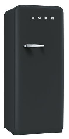 Cool chalkboard fridge by Smeg Smeg Kitchen, Smeg Fridge, Kitchen Decor, Kitchen Design, Kitchen Appliances, Scandinavian Kitchen, Scandinavian Design, Lofts, Industrial Office Design